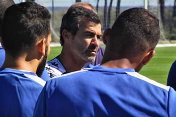 Oficial: Rui Almeida deixa comando técnico do Bastia