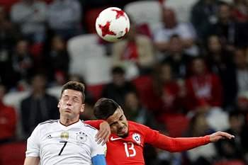 Julian Draxler em ação contra o Chile