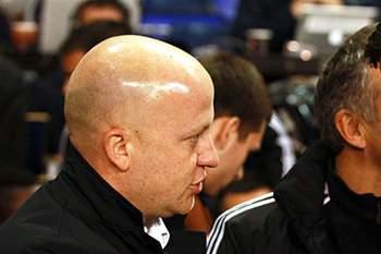 Ljubljana despede Marko Nikolic, uma semana após insulto racista do treinador.