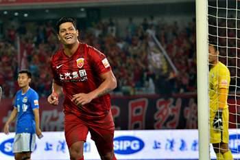 Hulk festeja golo pelo Shanghai SIPG