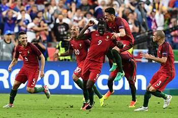 Golo de eder na final do euro 2016 Portugal-França • O golo da vitória. PORTUGAL É CAMPEAO DA EUROPA, CARALHO! INCHEM, FRANCIUS! • AFP or licensors