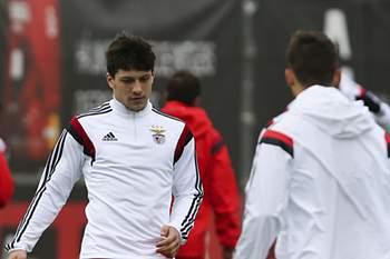 Luca Jovic fez um dos golos