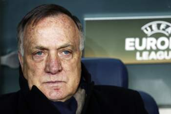 Fenerbahce's head coach Dick Advocaat during the UEFA Europa League round of 32, second leg soccer match between Fenerbahce Istanbul and FK Krasnodar in Istanbul, Turkey, 22 February 2017. EPA/SEDAT