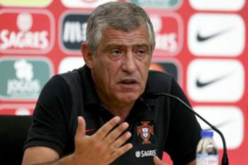 Portuguese national soccer team head coach Fernando Santos facing the media during a press conference in view to the upcoming friendly soccer match against Gibraltar next 01 September and for against Switzerland next 06 September for World soccer qualifying Group B, at the Portuguese Soccer City complex, outskirts of Lisbon, Portugal, 31 August 2016. INACIO ROSA/LUSA