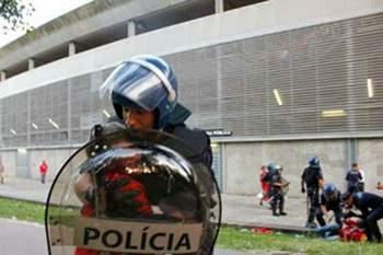 Subcomissário da PSP de Guimarães julgado por agressão a adeptos do Benfica