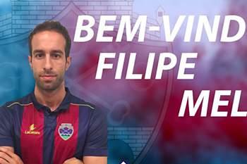 Filipe Melo assina pelo Chaves