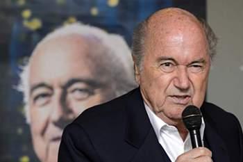 Blatter diz que assistiu a sorteios na Europa em que se esfriavam as bolas