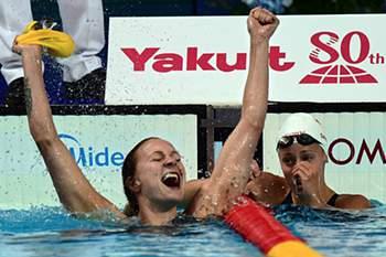 Sarah Sjostrom bate recorde mundial.