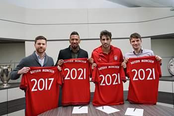Bayern renova contratos de quatro estrelas