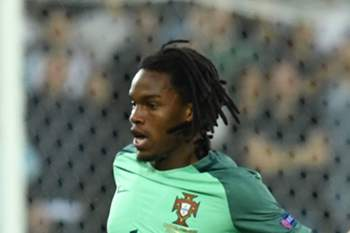 Renato Sanches em ação ao serviço de Portugal contra a Croácia.