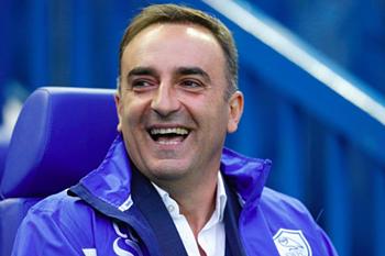 Portugueses brilham no Championship. Carvalhal derrota Benitez