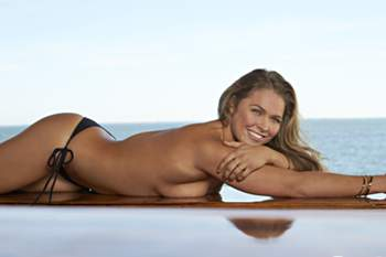 Ronda Rousey deslumbra na Sports Illustrated