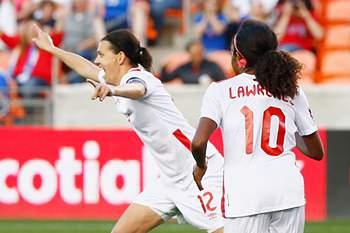 Christine Sinclair apontou golaço frente à Costa Rica
