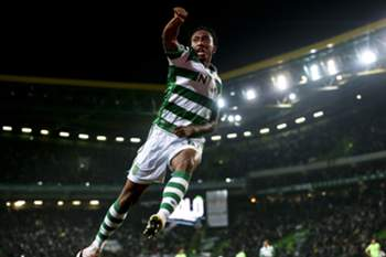 Sporting CP player Gelson Martins celebrates a goal against Vitoria de Setubal during the Portuguese First League match held at Alvalade Stadium in Lisbon, Portugal, 07 May 2016.