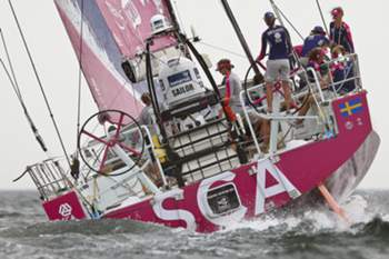 epa04788263 SCA team from Sweden sail during the 08th leg of the Volvo Ocean Race from Lisbon to Lorient off Lisbon, Portugal, 07 June 2015. EPA/TIAGO PETINGA