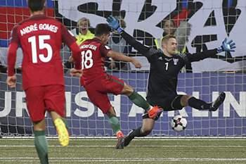 André Silva marca pela seleção frente as Ilhas Faroé