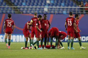epa06009719 Players of Portugal react after losing the quarter final match of the FIFA U-20 World Cup 2017 between Portugal and Uruguay in Daejeon World Cup Stadium, South Korea, 04 June 2017. EPA/JEON HEON-KYUN