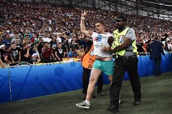 UEFA abre inqu