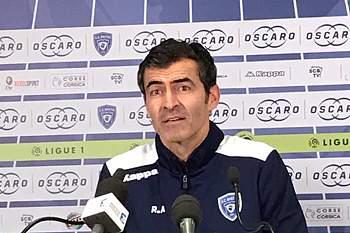Rui Almeida, novo treinador do Bastia