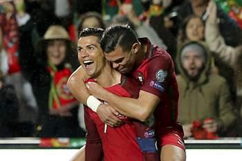 Cristiano Ronaldo festeja golo por Portugal