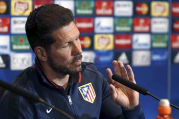 epa05278643 Atletico Madrid's Argentinian head coach Diego Simeone attends a press conference held at the Vicente Calderon stadium, in Madrid, Spain, 26 April 2016. Atletico Madrid will face Bayer Munich in a semifinal first leg match of the UEFA Champions League the upcoming 27 April 2016. EPA/KIKO HUESCA