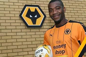 Ola John foi confirmado como reforço oficial do Wolverhampton.