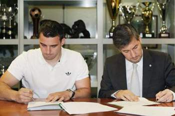 Sporting contrata andebolista espanhol Carlos Ruesta
