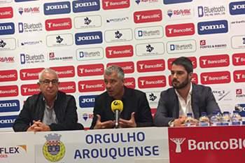 Jorge Costa apresentado como novo treinador do Arouca