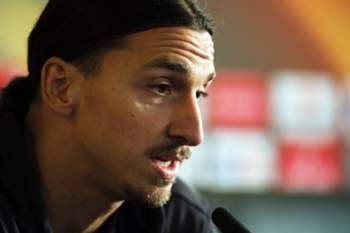 epa05643894 Manchester United forward Zlatan Ibrahimovic attends a press conference at the Aon training facility in Manchester, Britain 23 November 2016. Manchester United will face Feyenoord in a UEFA Europa League group A match at Old Trafford on the 24 November. EPA/PETER POWELL