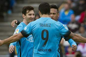 O uruguaio celebra Messi e Neymar