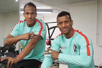 Nani e Bruno Alves no ginásio