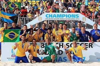 Brasil vence Taiti por 6-0 e sagra-se campeão do mundo de futebol de praia.
