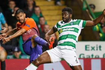 epa05561129 Manchester City's City's Sergio Aguero (L) and Celtic's Kolo Toure (R) in action in action during the UEFA Champions League Group C match between Celtic and Manchester City at Celtic Park in Glasgow, Britain, 28 September 2016.