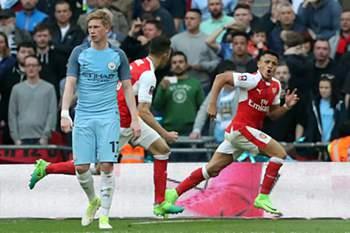 Alexis Sanchéz foi o herói da meia-final entre Arsenal e Manchester City da Taça de Inglaterra ao apontar o golo decisivo no prolongamento.