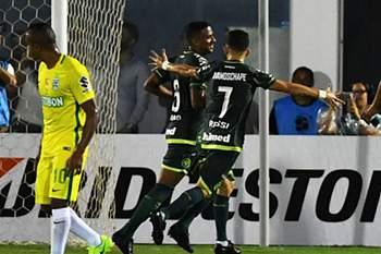 Atlético Nacional goleia Chapecoense e conquista Supertaça sul-americana