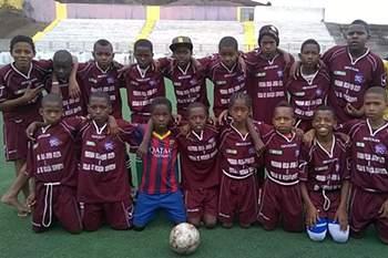 Escola de futebol em Santa Catarina forma jovens talentos a pensar no mercado internacional