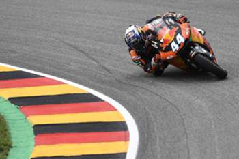 epa06061319 Portuguese Moto2 rider Miguel Oliveira of the Red Bull KTM Ajo team in action during the the Moto2 race of the the motorcycling Grand Prix of Germany at the Sachsenring racing circuit in Hohenstein-Ernstthal, Germany, 02 July 2017. EPA/FILIP SINGER