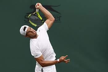 Rafael Nadal em ação no torneio de Wimbledon 2017