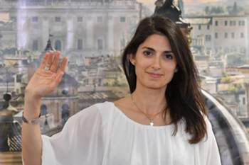 Newly elected mayor of Rome, Five Star Movement's candidate Virginia Raggi, gives a press conference after winning the mayoral election on June 19, 2016 at her campaign headquarters in Rome. AFP PHOTO / TIZIANA FABI / AFP PHOTO / TIZIANA FABI