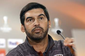 epa05041130 SC Braga head coach Paulo Fonseca attends a press conference on the eve of the UEFA Europe League Group F soccer match against FC Slovan Liberec, in Braga, Northern of Portugal, 25 November 2015. EPA/HUGO DELGADO