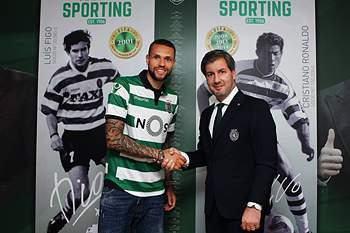 O avançado de 23 anos assinou este domingo pelo Sporting