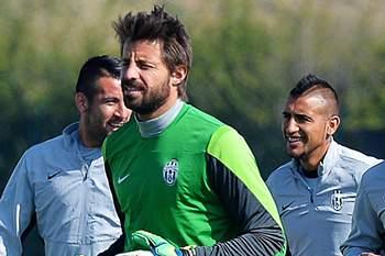 Marco Storari num treino da Juventus