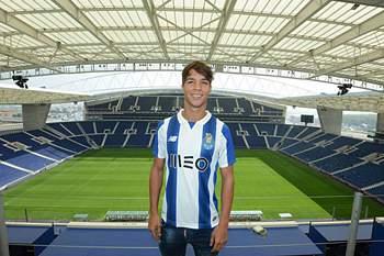 Óliver já é jogador do FC Porto