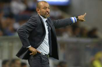 FC Porto's head coach Nuno Espirito Santo reacts during the Portuguese First League soccer match against Estoril-Praia held at Dragao stadium in Porto, Portugal, 20 August 2016. FERNANDO VELUDO/LUSA