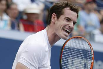 epa04911682 Andy Murray of Great Britain reacts as he plays Adrian Mannarino of France during their match on the fourth day of the 2015 US Open Tennis Championship at the USTA National Tennis Center in Flushing Meadows, New York, USA, 03 September 2015. The US Open runs through 13 September, which is a return to a 14-day schedule.