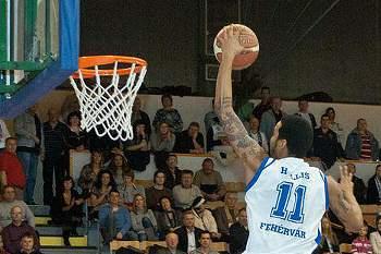 Damian Hollis, jogador de basquetebol