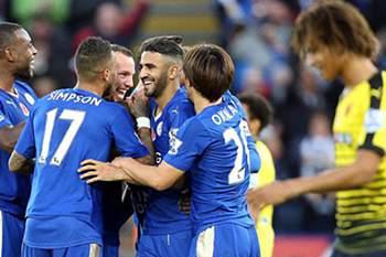 Jogadores do Leicester celebram um golo diante do Watford.