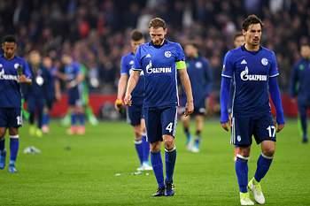 Jogadores do Schalke 04 saem desiludidos