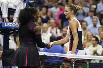 epa05531064 Karolina Pliskova of the Czech Republic (R) and Serena Williams of the US at the net after their Semifinal round match on the eleventh day of the US Open Tennis Championships at the USTA National Tennis Center in Flushing Meadows, New York, USA, 08 September 2016. The US Open runs through September 11. EPA/JUSTIN LANE