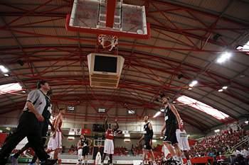 Benfica venceu os dois primeiros jogos do 'playoff' da final do campeonato nacional de basquetebol.